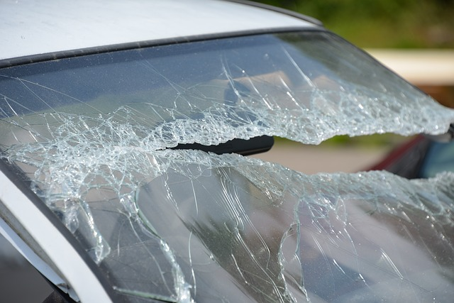 Shattered front windshield | The Ultimate Guide To Windshield Replacement In The Twin Cities