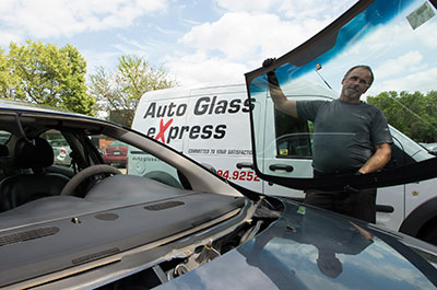 Windshield Replacement Come To You >> Mobile Windshield Replacement On Site Repair