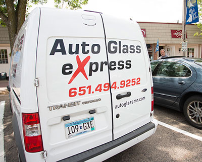 The benefits of Auto Glass Express's mobile repair service.